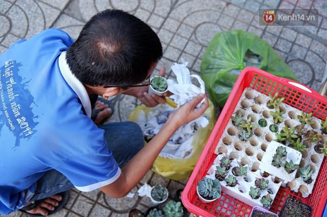 Chuyện về tiệm xương rồng ở Sài Gòn của chàng trai mồ côi, bị u não nhưng vẫn làm việc vì trẻ em ung thư: Càng lạc quan, càng sống khỏe! - Ảnh 4.