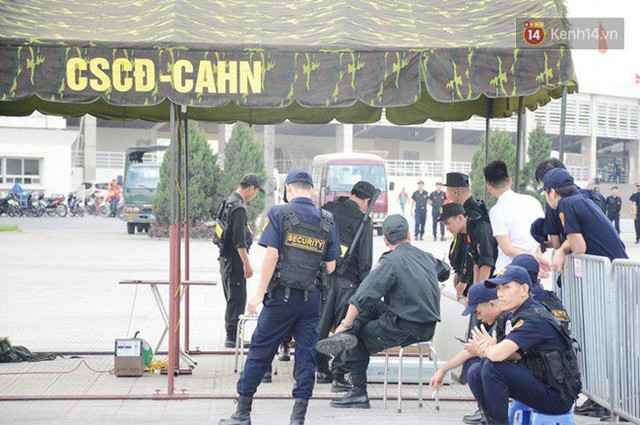 Hà Nội tung hàng nghìn cảnh sát chốt chặn, giữ an ninh trận bán kết lượt về Việt Nam - Philippines - Ảnh 4.