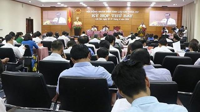Bộ Nội vụ yêu cầu địa phương tạm dừng sắp xếp những sở, ngành - Ảnh 1.