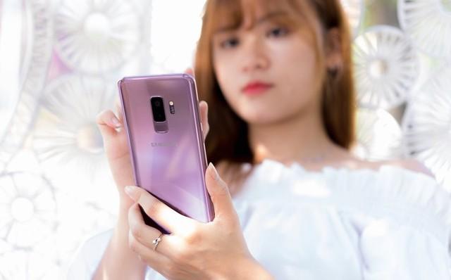 6 smartphone nổi bật nhất năm 2018 tại Việt Nam - Ảnh 1.