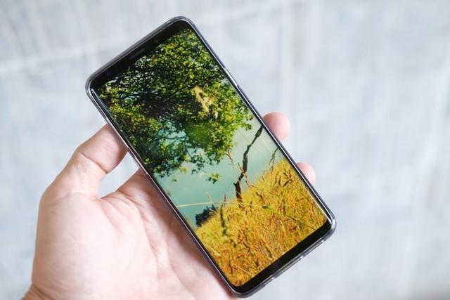 6 smartphone nổi bật nhất năm 2018 tại Việt Nam - Ảnh 2.