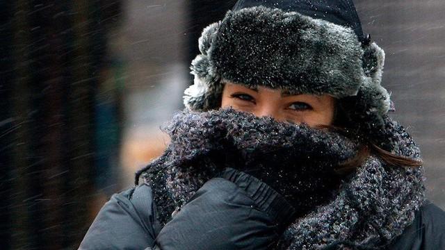 Trời Hà Nội đang rất lạnh rồi, cần tuyệt đối tránh làm 5 điều này để bảo vệ sức khỏe tốt hơn - Ảnh 2.