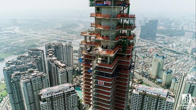 Cận cảnh tòa tháp cao nhất Việt Nam Landmark 81 chuẩn bị cất nóc - Ảnh 2.