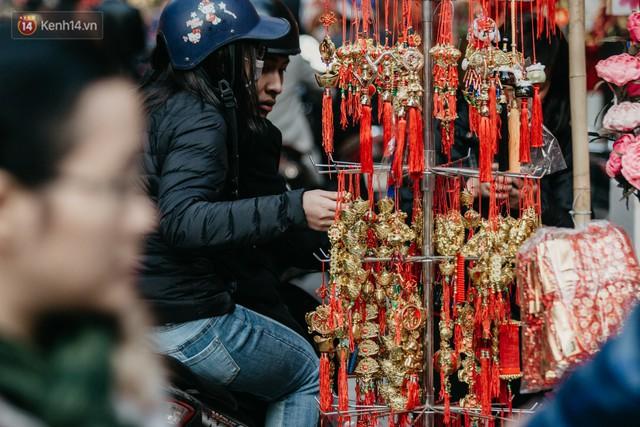 Chùm ảnh: Ghé thăm chợ hoa truyền thống lâu đời nhất Hà Nội - cả năm chỉ họp đúng một phiên duy nhất - Ảnh 11.