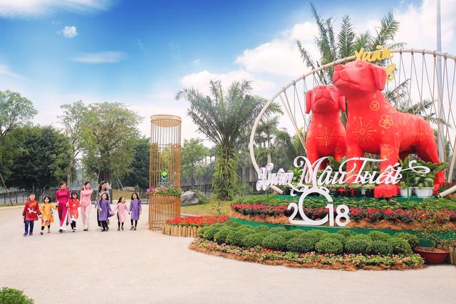 Toàn cảnh đường hoa xuân Mậu Tuất 2018 rực rỡ tại khu đô thị Ecopark và Phú Mỹ Hưng - Ảnh 7.