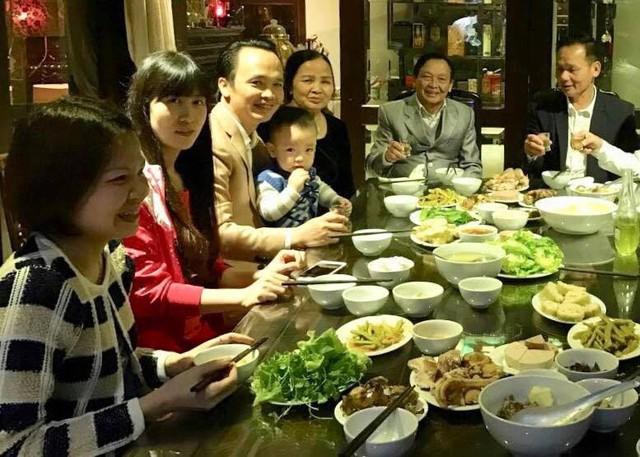 Tỷ phú Trịnh Văn Quyết: Mong có thêm thời gian dành cho vợ và ba con trai đang tuổi lớn - Ảnh 2.