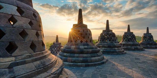 Ngôi đền Phật giáo lớn nhất thế giới: Nơi ngắm bình minh và hoàng hôn tuyệt đẹp! - Ảnh 10.