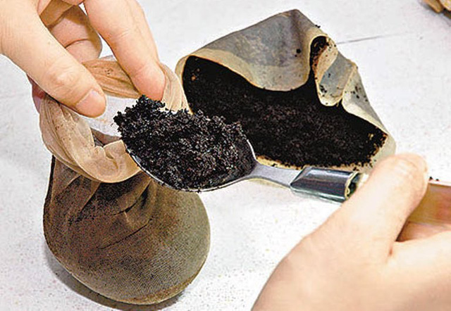 Các nhà khoa học khẳng định: Bã cà phê là một bảo bối, đừng bỏ lỡ 7 cách dùng hữu ích - Ảnh 2.