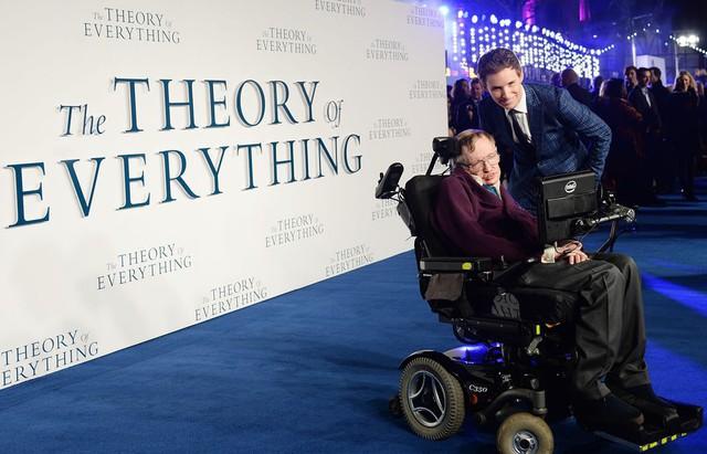 Cuộc đời phi thường qua ảnh của cố Giáo sư Stephen Hawking: Biểu tượng của lòng dũng cảm và là nguồn cảm hứng bất tận để bạn vượt qua mọi khó khăn - Ảnh 8.