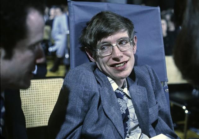 Cuộc đời phi thường qua ảnh của cố Giáo sư Stephen Hawking: Biểu tượng của lòng dũng cảm và là nguồn cảm hứng bất tận để bạn vượt qua mọi khó khăn - Ảnh 18.