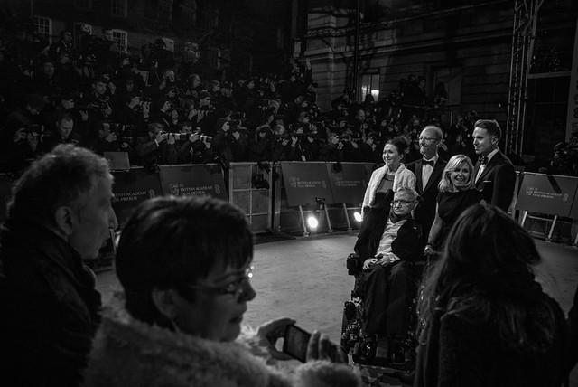 Cuộc đời phi thường qua ảnh của cố Giáo sư Stephen Hawking: Biểu tượng của lòng dũng cảm và là nguồn cảm hứng bất tận để bạn vượt qua mọi khó khăn - Ảnh 17.