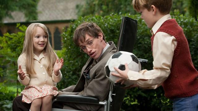 Thuyết yêu thương - bộ phim nhiều cảm xúc nghẹn ngào mà bạn nhất định phải xem để hiểu thêm về nhà bác học vĩ đại Stephen Hawking - Ảnh 2.