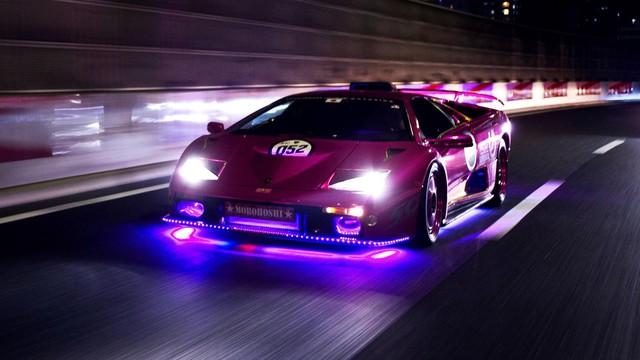 Chuyện về tay chủ xe Lamborghini điên nhất thế giới: Phủ kim cương, sơn kín xe bằng màu hồng lấp lánh  - Ảnh 7.