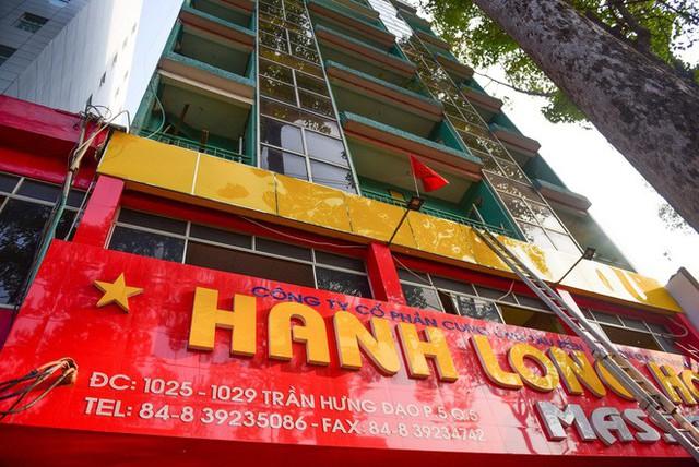Cháy khách sạn ở Sài Gòn: Giải cứu khẩn cấp 11 khách nước ngoài và 8 người Việt Nam - Ảnh 3.