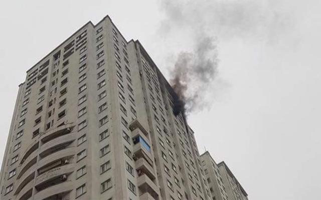 Sau vụ hỏa hoạn tòa nhà Carina khiến 13 người chết: Nhiều chung cư Hà Nội hốt hoảng kêu cứu - Ảnh 3.