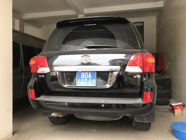 Đấu giá 3 lần, 2 xe sang doanh nghiệp tặng cho tỉnh Nghệ An vẫn ế - Ảnh 2.