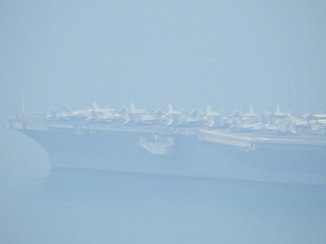 [CẬP NHẬT]: Sau tàu sân bay, tàu tuần dương Mỹ cũng đang tiến vào vịnh Đà Nẵng - Ảnh 11.