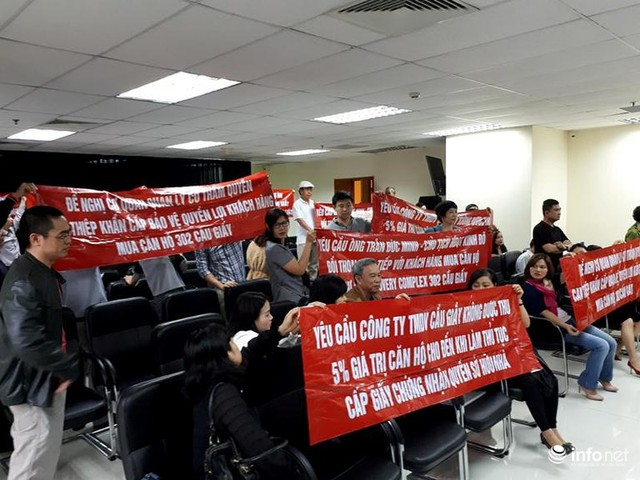 Cư dân Discovery Complex vây trụ sở Kinh Đô TCI - Ảnh 3.