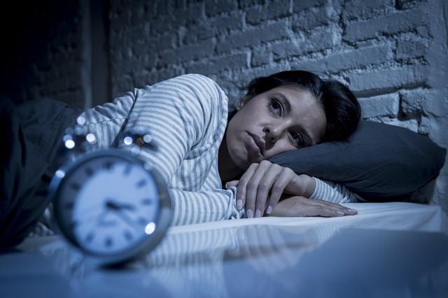 Nguyên nhân không ngờ gây mất ngủ, nhiều người mắc mà không biết - Ảnh 3.