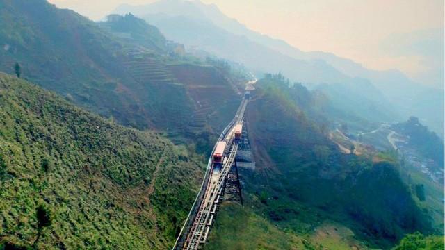Tuyến tàu hỏa leo núi dài nhất Việt Nam đã chính thức hoạt động - Ảnh 5.