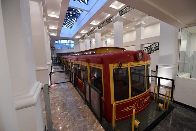 Tuyến tàu hỏa leo núi dài nhất Việt Nam đã chính thức hoạt động - Ảnh 8.