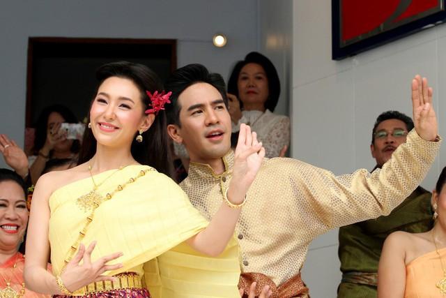 Nhân Duyên Tiền Định: Phim Thái khiến Thủ tướng đến gặp ekip, hot tới nỗi có thể giải quyết tắc đường - Ảnh 3.