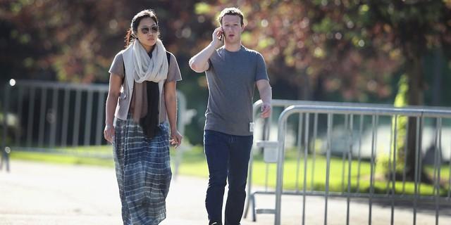 Không phải ngẫu nhiên Mark Zuckerberg lại mặc vest, ngồi lên đệm cao 10 cm trong 5 tiếng của phiên điều trần - Ảnh 4.