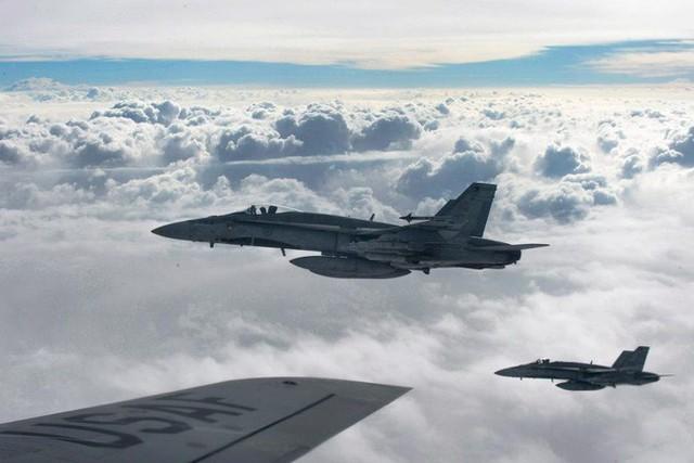 NÓNG: Tàu ngầm Anh vào vị trí – Mỹ sẽ phóng Tomahawk từ Địa Trung Hải, Pháp tấn công Syria từ lục địa?