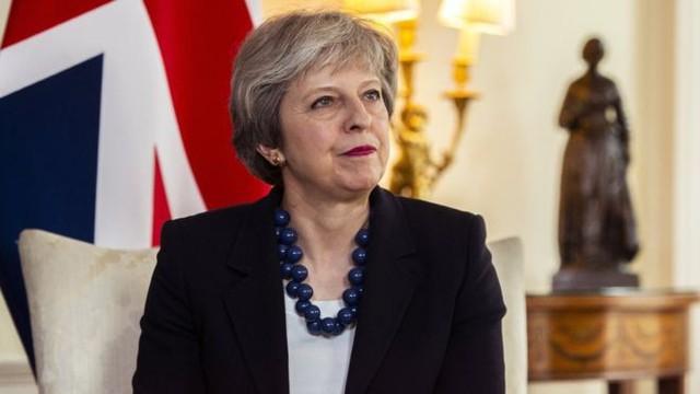 Bà May ra lệnh cho các tàu ngầm Anh vào vị trí, sẵn sàng tấn công Syria ngay đêm nay! - Ảnh 1.