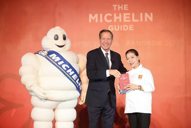 Quán ăn vỉa hè giá cao như nhà hàng đạt được ngôi sao Michelin danh giá ở Thái Lan, mỗi ngày chỉ phục vụ đúng 50 khách - Ảnh 2.