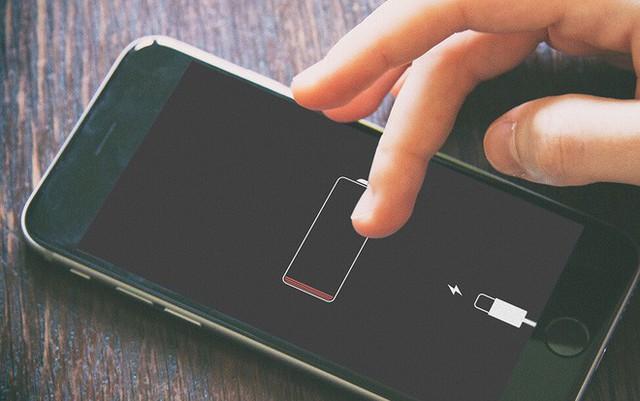 Sạc điện thoại qua đêm, tắt ứng dụng ngầm, bật wifi và ti tỉ vấn đề khi dùng smartphone - Ảnh 2.