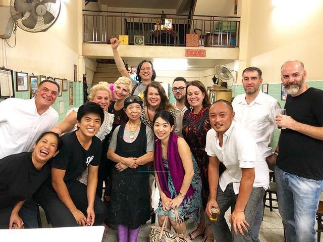 Quán ăn vỉa hè giá cao như nhà hàng đạt được ngôi sao Michelin danh giá ở Thái Lan, mỗi ngày chỉ phục vụ đúng 50 khách - Ảnh 16.