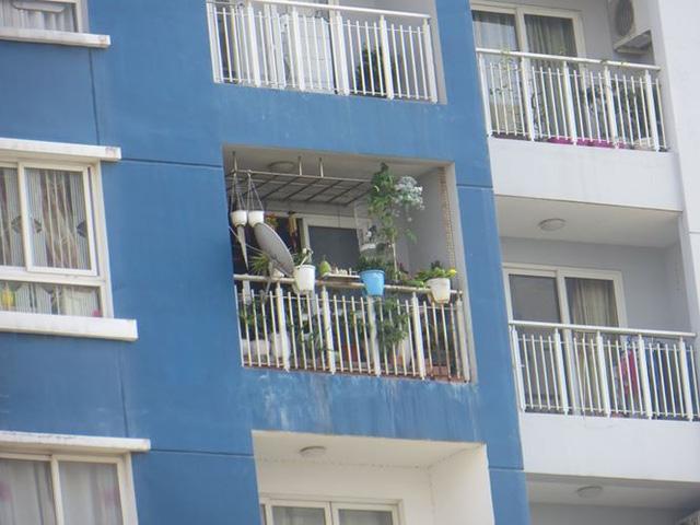 Cư dân Carina cố bám trụ ở chung cư không điện nước - Ảnh 8.