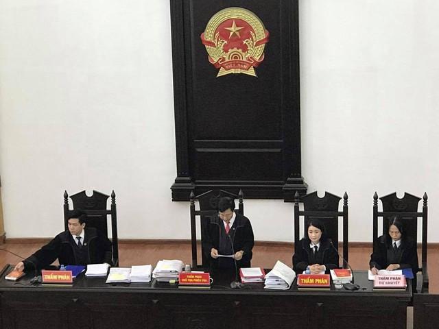 Những hình ảnh trong phiên xét xử phúc thẩm đầu tiên vụ Hà Văn Thắm và 30 đồng phạm