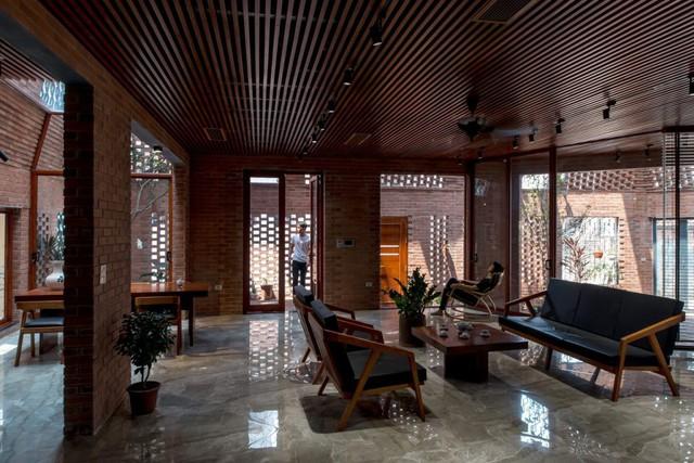 Nhà Hang gạch độc, lạ ở Hà Nội đẹp hút hồn trên báo Mỹ - Ảnh 10.