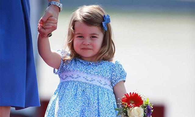 Không phải là em trai mới sinh, tiểu công chúa Charlotte mới chính là người làm nên lịch sử hoàng gia Anh - Ảnh 1.