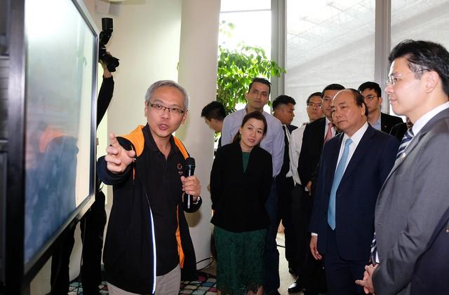 Thủ tướng nghe 1 vài chuyên gia Singapore chia sẻ về 1 vàih mạng công nghiệp 4.0 - Ảnh 3.