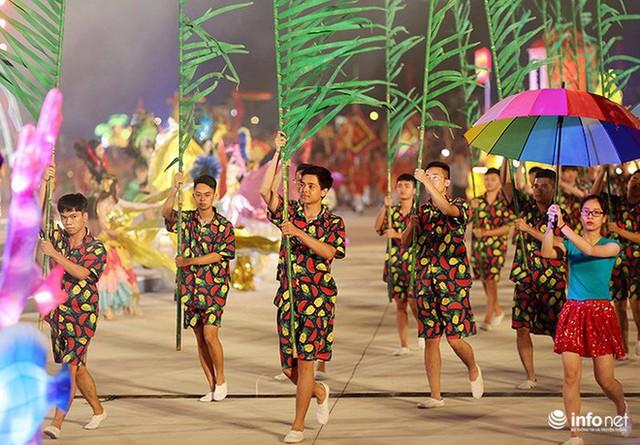 Những hình ảnh ấn tượng tại Lễ hội Carnaval Hạ Long 2018 - Ảnh 11.