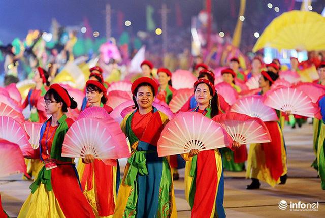 Những hình ảnh ấn tượng tại Lễ hội Carnaval Hạ Long 2018 - Ảnh 13.
