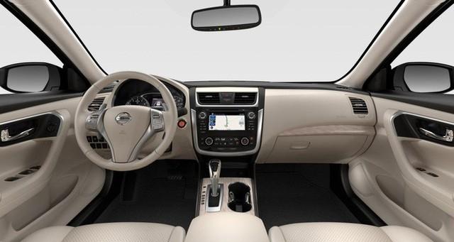 Cận cảnh chiếc ô tô vừa được giảm giá hơn 100 triệu đồng - Ảnh 7.