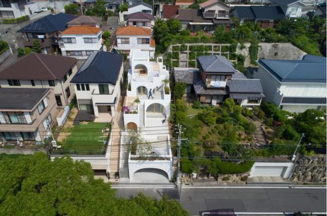 Tròn mắt ngắm ngôi nhà ống cực xinh ở Nhật - Ảnh 1.