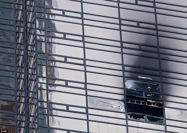 Cháy tháp Trump ở Mỹ, ít nhất 1 người chết - Ảnh 2.