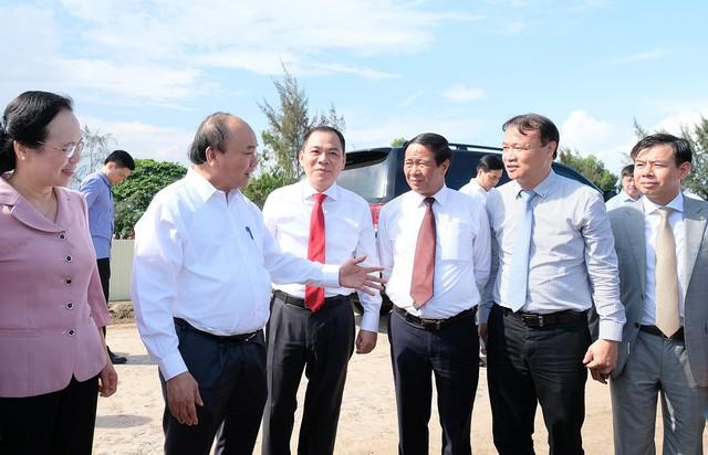 Thủ tướng: Tạo điều kiện để thương hiệu VinFast thành công - Ảnh 1.