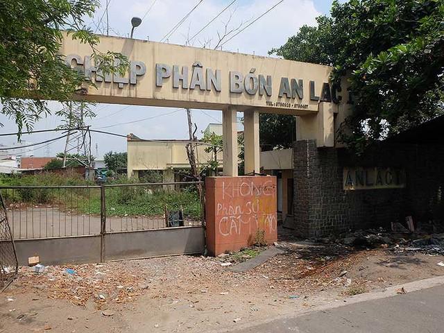 Nhức nhối lãng phí nhà, đất công ở TP.HCM - Ảnh 1.