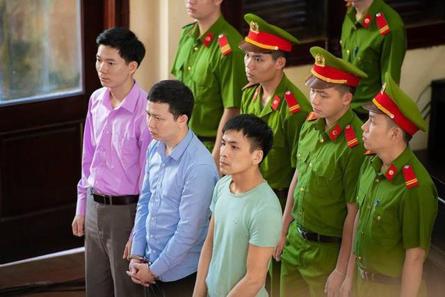 Xét xử bác sĩ Hoàng Công Lương trong vụ 8 bệnh nhân chạy thận tử vong - Ảnh 9.