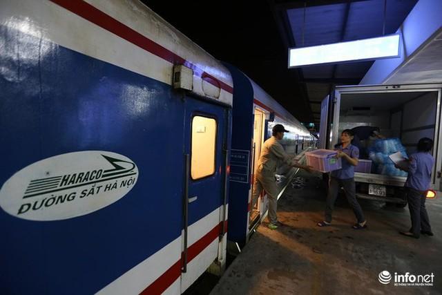 Cận cảnh toa tàu thế hệ 3 chất lượng cao vừa được ngành đường sắt đưa vào hoạt động - Ảnh 8.