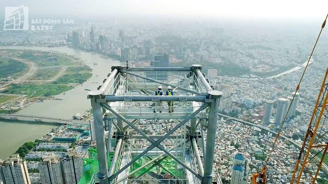 Cận cảnh công trường thi công đỉnh tòa nhà cao nhất Việt Nam, dự kiến khai trương vào quý 4 - Ảnh 4.