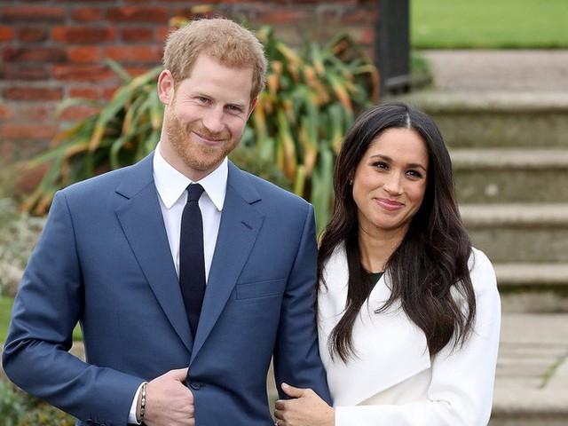 Hành trình lọ lem Meghan từ khi đánh rơi hài tới cô dâu ở đám cưới hoàng gia 1,5 tỉ người theo dõi, tiêu tốn nửa triệu euro - Ảnh 11.
