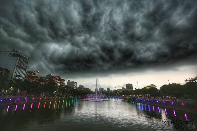 Cư dân mạng chia sẻ ảnh bầu trời Hà Nội đẹp dị thường do giông lớn - Ảnh 5.