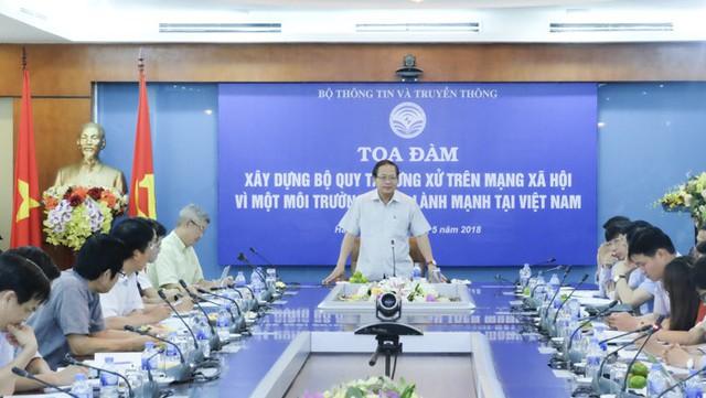 Bộ trưởng Bộ Thông tin Truyền thông: Tôi cũng rất băn khoăn về Bộ quy tắc ứng xử trên mạng xã hội - Ảnh 1.